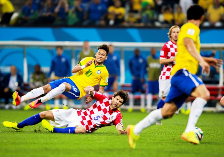 FIFA: Futbol stracił na pandemii 14 miliardów dolarów