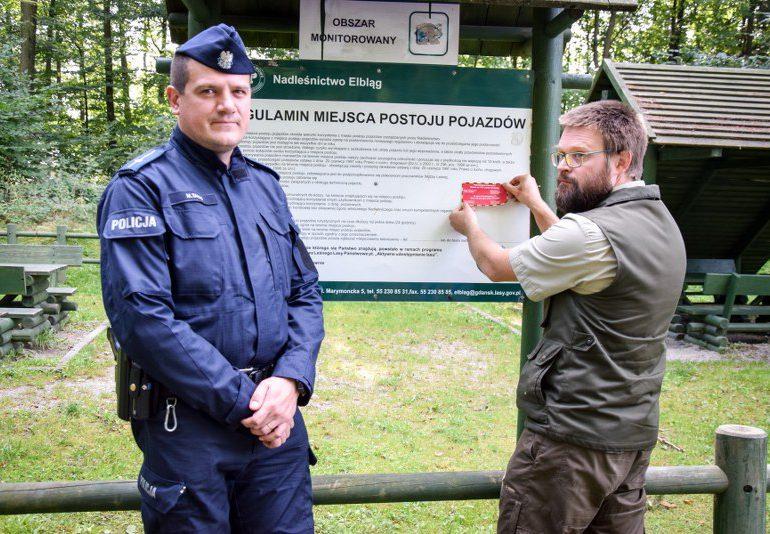 """""""Nie zgub się w lesie"""" - wspólna akcja nadleśnictwa i elbląskiej policji"""