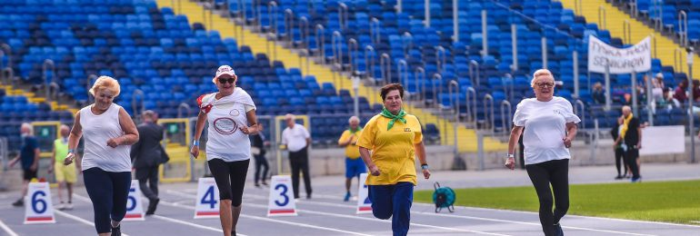 Sportowa rywalizacja seniorów na Stadionie Śląskim