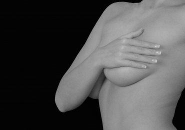 Jak prawidłowo wykonać samobadanie piersi?