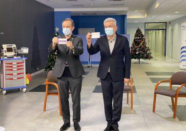 Senatorowie Tomasz Grodzki i Stanisław Karczewski zaszczepieni na COVID-19