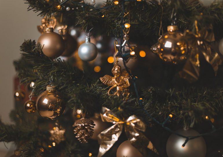 Jak nie zarazić się koronawirusem podczas świątecznych spotkań?