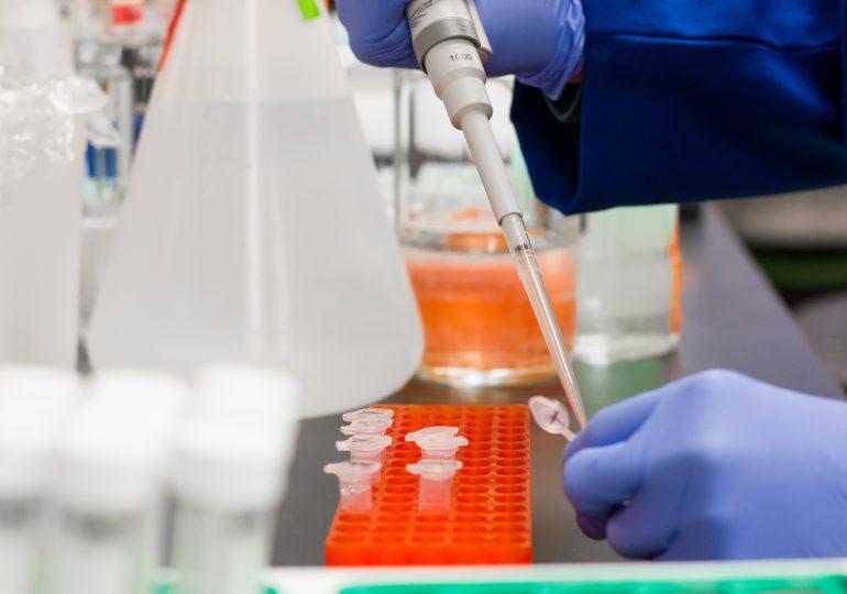 Brytyjski wariant koronawirusa krążył w co najmniej 15 krajach, zanim go odkryto