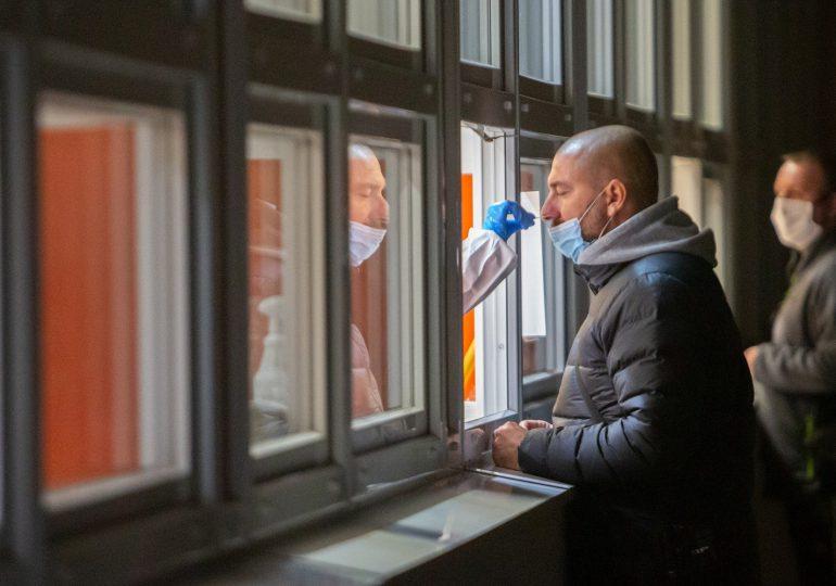 Niemcy: Wszyscy przylatujący muszą mieć negatywny test na COVID-19. Wzmocnione kontrole na granicy z Polską