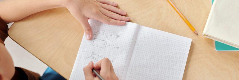 Francja: Tylko niezaszczepieni uczniowie będą uczyć się zdalnie po wykryciu zakażenia w klasie