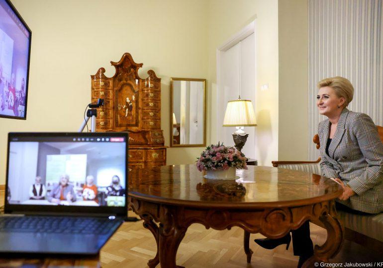 Wirtualne spotkanie Pierwszej Damy z dyrekcją PZKS w Wejherowie