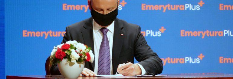 Ustawa o tzw. 14. emeryturze z podpisem Prezydenta RP