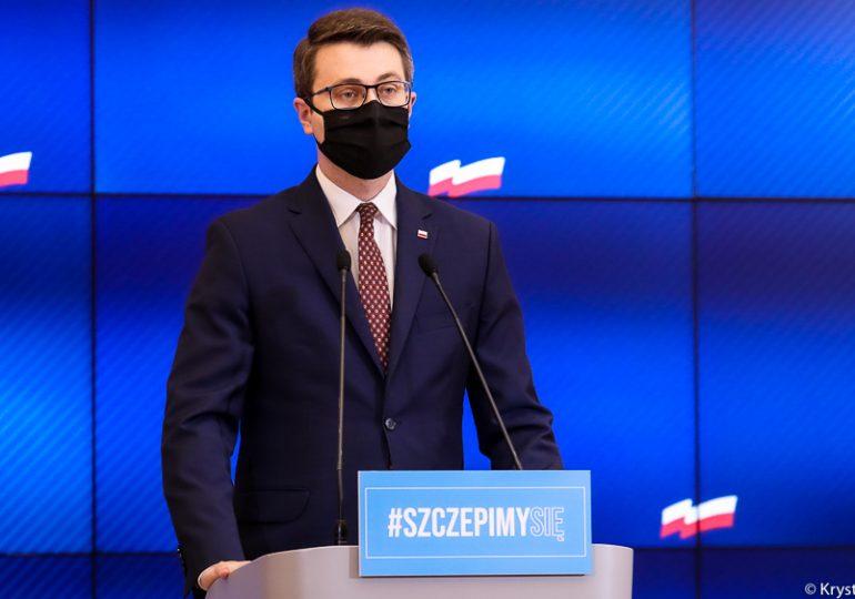 Rząd ujednolica i modyfikuje zasady dotyczące kwarantanny dla przyjeżdżających do Polski