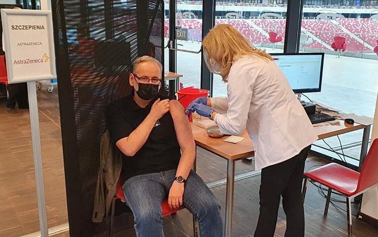 Minister zdrowia przyjął pierwszą dawkę szczepionki AstraZeneca