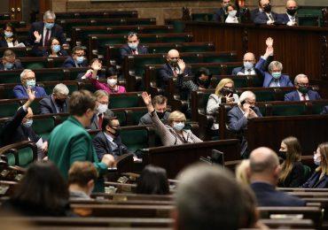 Nowelizacja ustawy o pomocy społecznej. Sejm przyjął część poprawek Senatu
