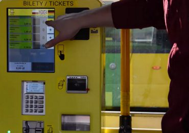 Pierwsze mobilne biletomaty w elbląskiej komunikacji