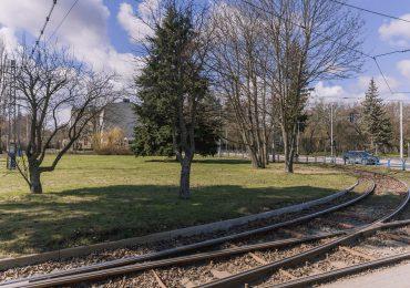 Zielone laboratorium i poczekalnia dla pasażerów na pętli tramwajowej w Oliwie