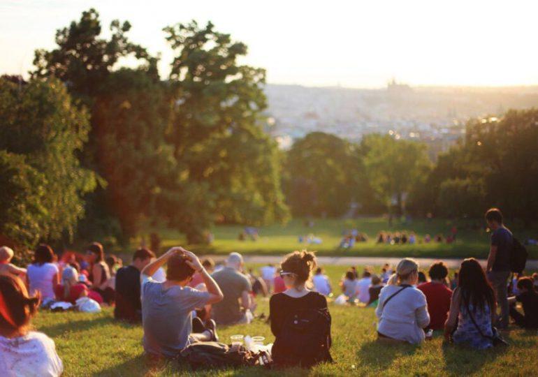 Kraków: Wielopokoleniowy piknik w parku Zaczarowanej Dorożki