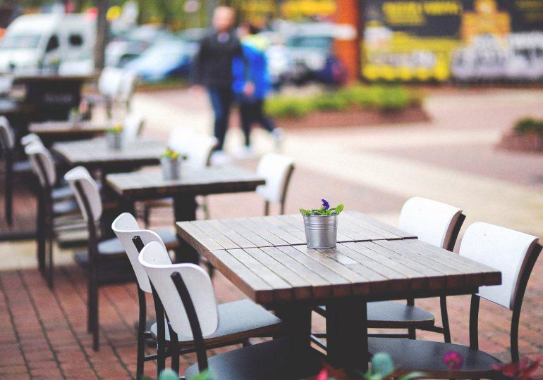 Czechy: Przed otwarciem restauracyjnych ogródków i tarasów lokale żądają od władz jasnych wytycznych