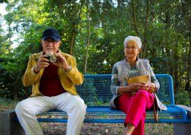 Mobilne gadżety dla seniora? Warto, ale…