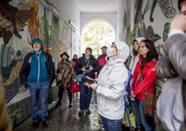Fundacja Kultury bez Barier organizuje edukacyjne spacery po Warszawie dla osób z niepełnosprawnościami