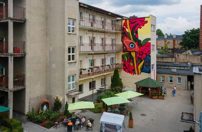 Łódź: Barwny mural dla seniorek