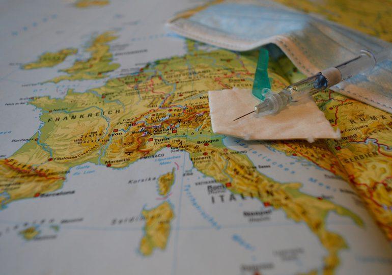 Włochy: coraz większe problemy z medykami, którzy nie chcą się zaszczepić