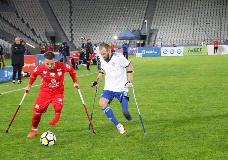 Ampfutboliści zaproszeni na mecz Polska – San Marino