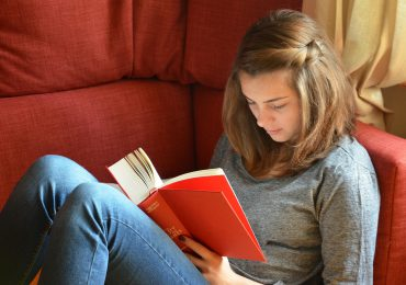 Ekspertka: Prześladowanie relacyjne spotyka najczęściej młodzież w wieku 13-15 lat