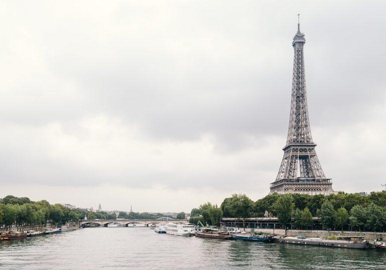 Francja: Zawieszono ok. 3 tys. medyków z powodu braku szczepień przeciw Covid-19